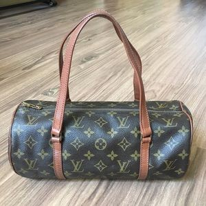 💯 % Authentic Louis Vuitton